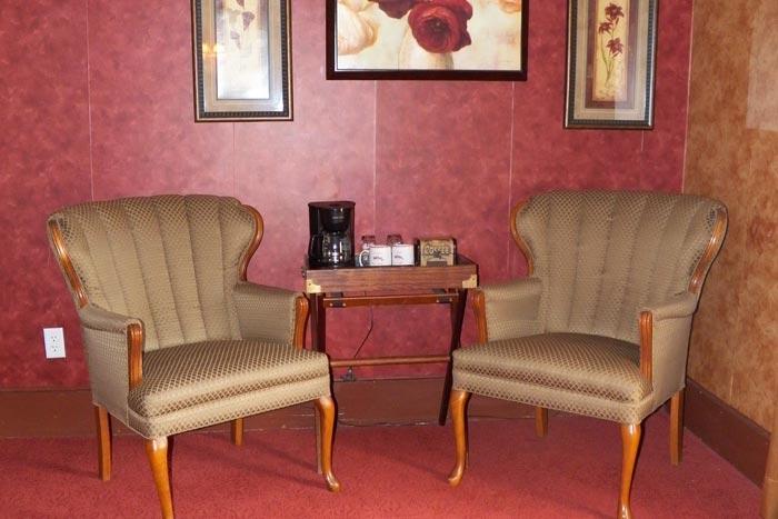 Room3-Sitting1