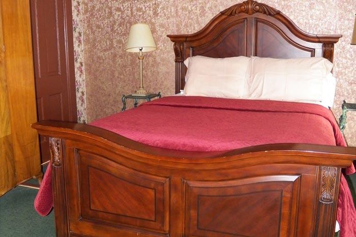 Room9-Bed1